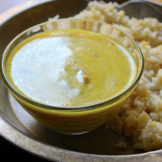 Gujrati Style Yogurt Curry / Gujrati Karhi
